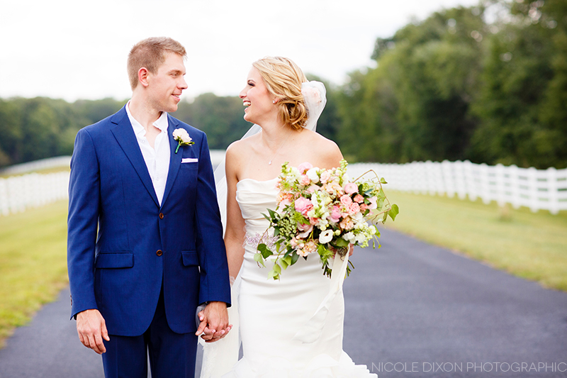 nicole-dixon-photographic-ohio-outdoor-farm-irongate-wedding-17