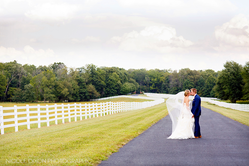 nicole-dixon-photographic-ohio-outdoor-farm-irongate-wedding-18